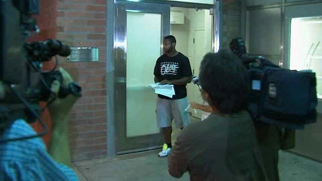 Jonathan Dwyer leaves the 4th Avenue Jail on Sept. 18. (Source: CBS 5 News)
