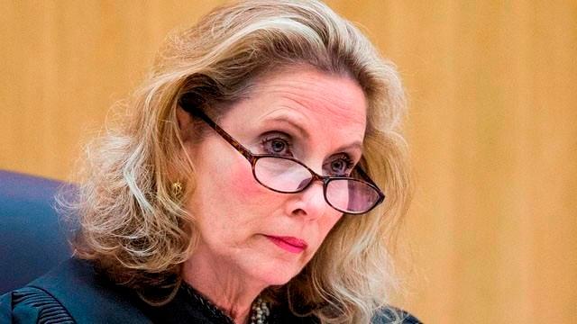 Dismissed juror on Jodi Arias: 'She needs to die' - KFVS12 News ...