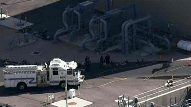 Heat-resistant hydraulic oil seeped onto some hot pipes and generated a large amount of smoke and created some small fires at this SRP plant in Gilbert. (Source: CBS 5 News)