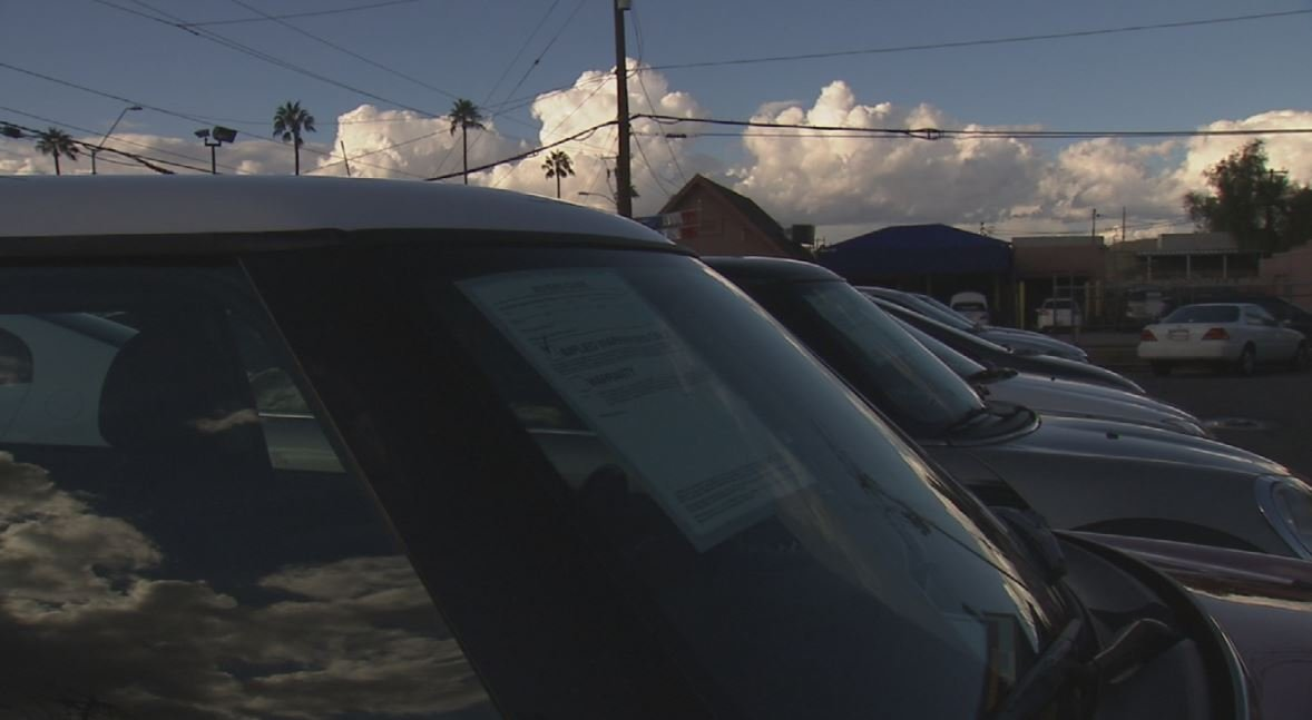 Some auto dealers online and at lots have used cars under recall and it's perfectly legal. (Source: CBS 5 News)